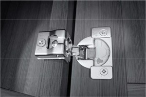 Soft-closing hinge