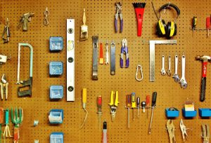 Storage hardware use pegs to hold tools