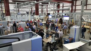 Manufacturing seminar demos latest technology