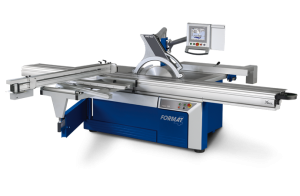 Sliding table panel saw with automatic rip fence