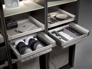 Closet storage system cleans up clutter